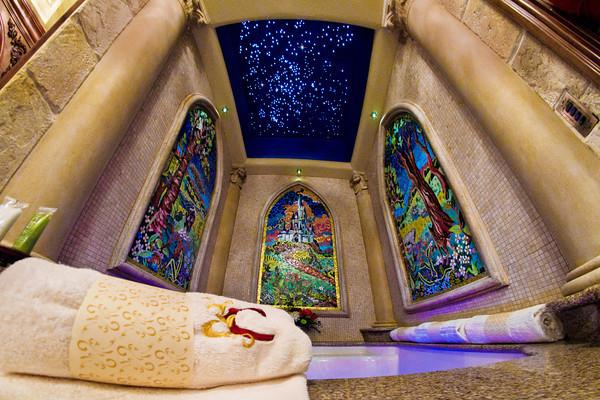 cinderella-castle-suite-bathroom-tub-3-M