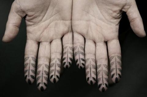 dedos tatuajes18