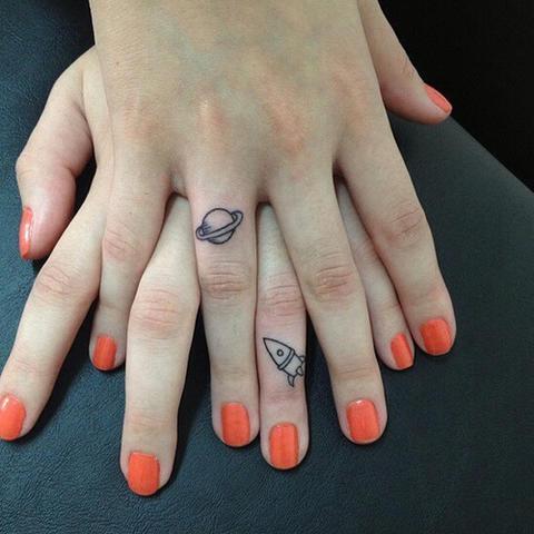 dedos tatuajes19