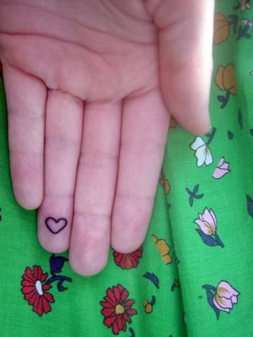 dedos tatuajes20