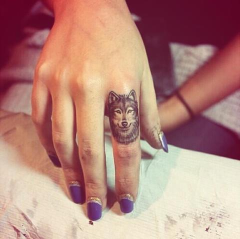 dedos tatuajes4
