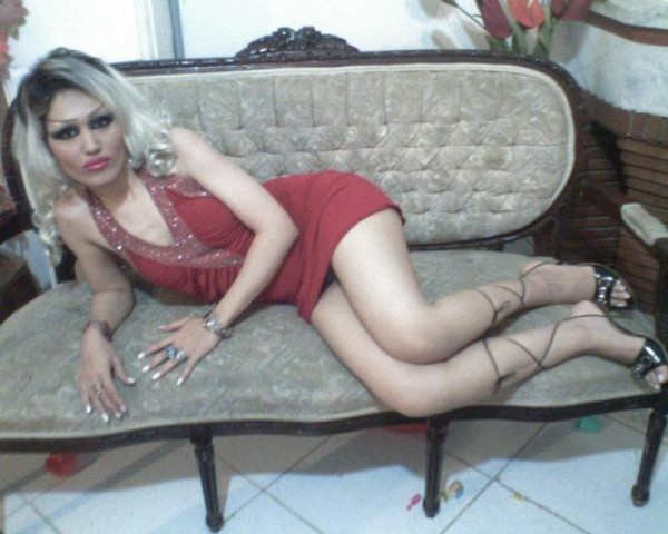 middle_eastern_girls_who_think_they_look_hot_but_are_not_640_48
