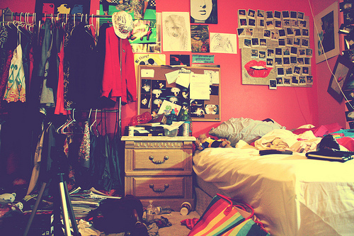 messy room3