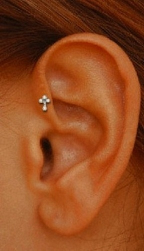 oreja piercings12
