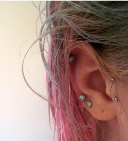 oreja piercings2