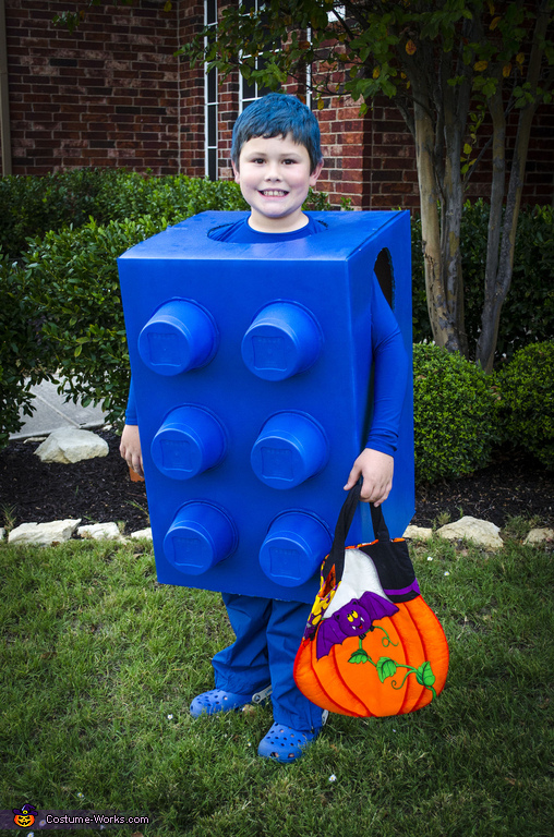 costumes box12
