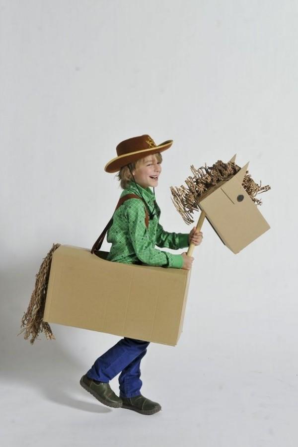 costumes box16