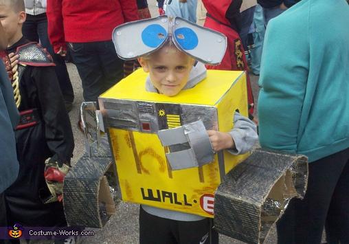 costumes box6
