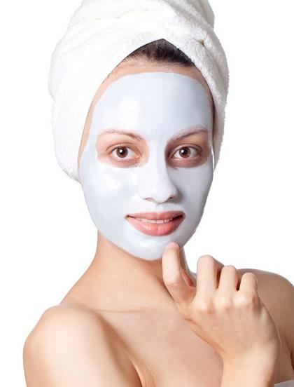 La máscara para la colocación de los cabellos que trenzan