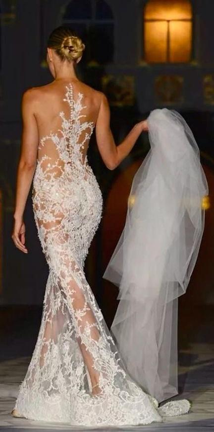 daring dresses4