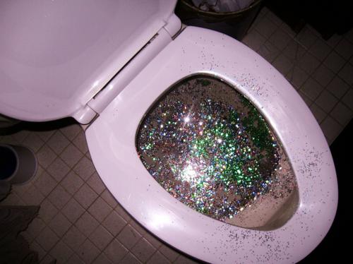 15 cosas desagradables que pasan en los baños publicos