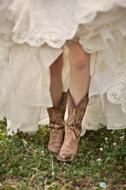 lace bridal boot13