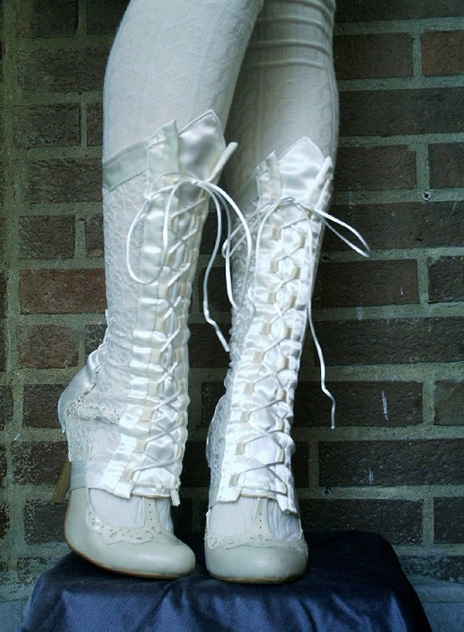 lace bridal boot14