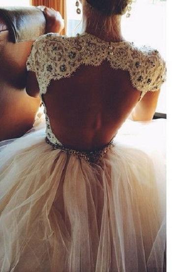 wedding dresses with necklines17