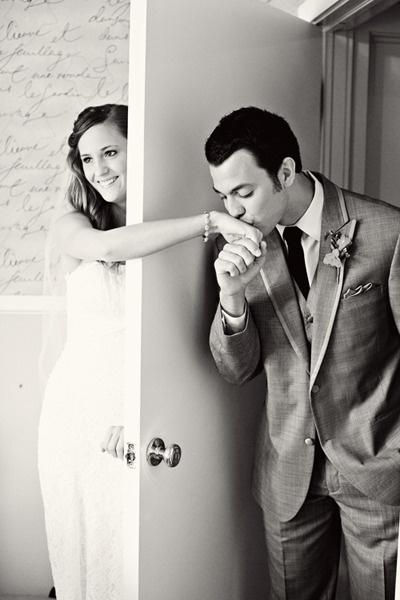 ultima foto antes de ser marido y mujer sin ver a la novia