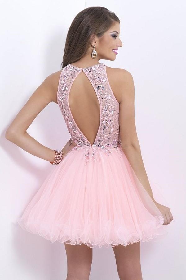 15 Poderosas razones para elegir un vestido corto en tus XV años