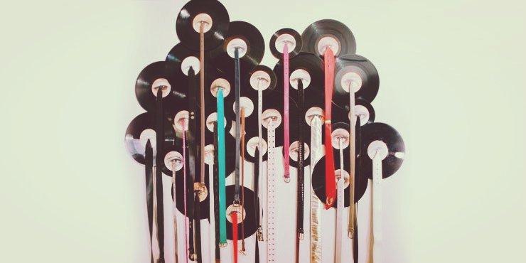 25 maneras de convertir un disco de vinilo en la - Decoracion con discos de vinilo ...