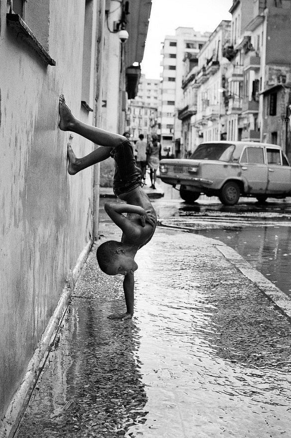 niños en la lluvia13