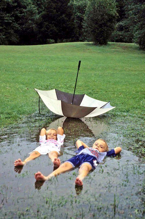 niños en la lluvia18