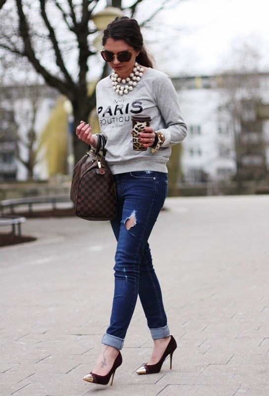 sweatshirt outfit