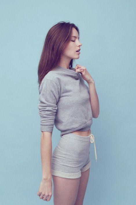 sweatshirt outfit13