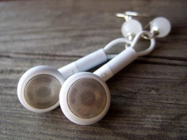 earrings-earpodes