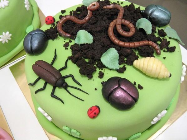 creepy cake4