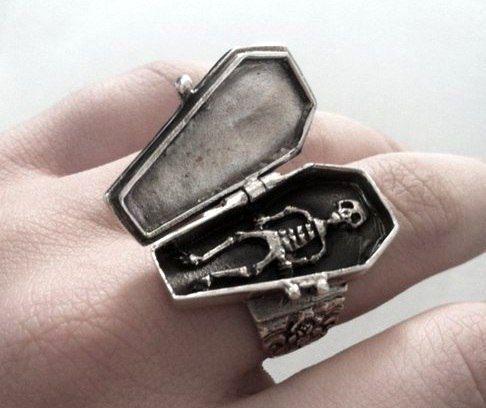 creepy jewelry24