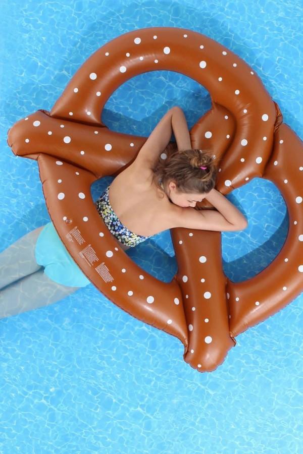 pool floats13