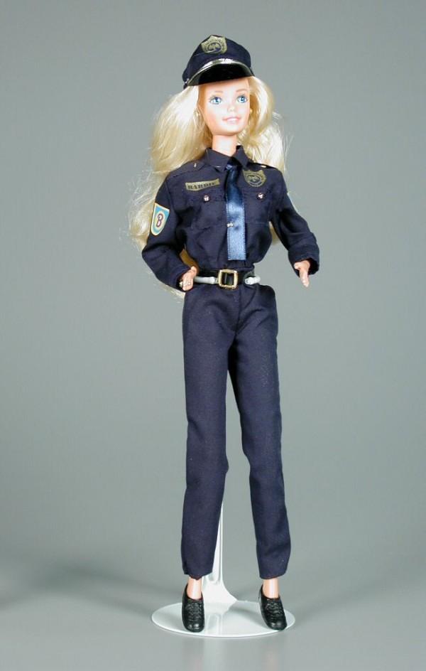 barbie policia