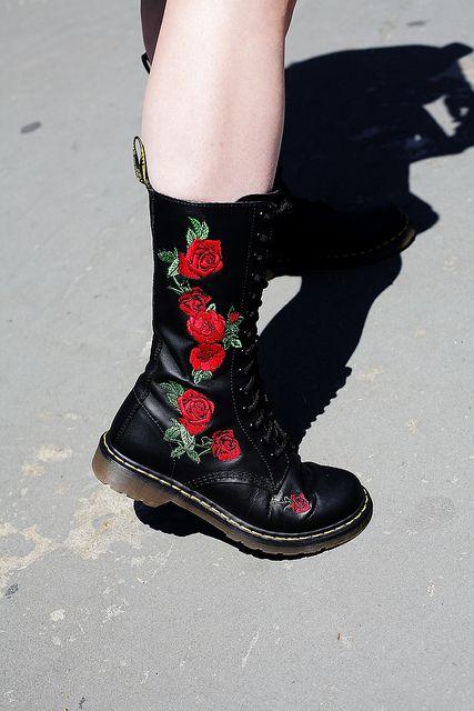 botas bordadas