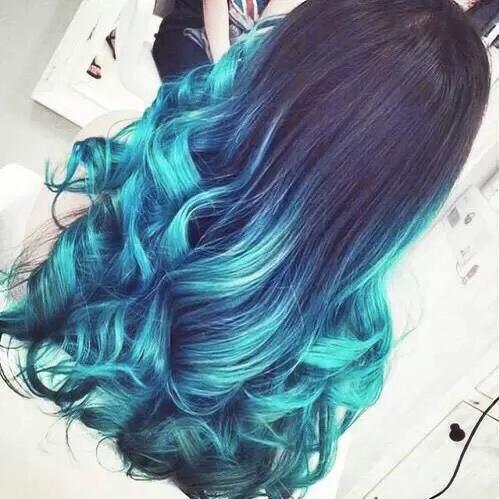cabellera azul