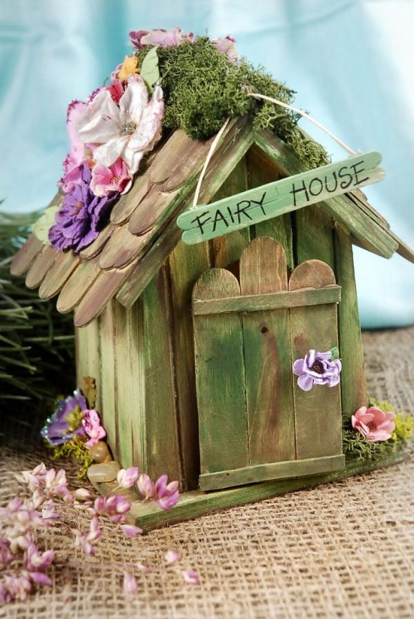 Casas que tienes que hacer si quieres que las hadas vivan for Casitas de jardin de plastico