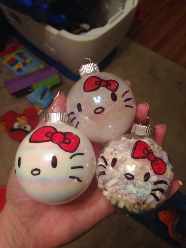 hello kitty esferas