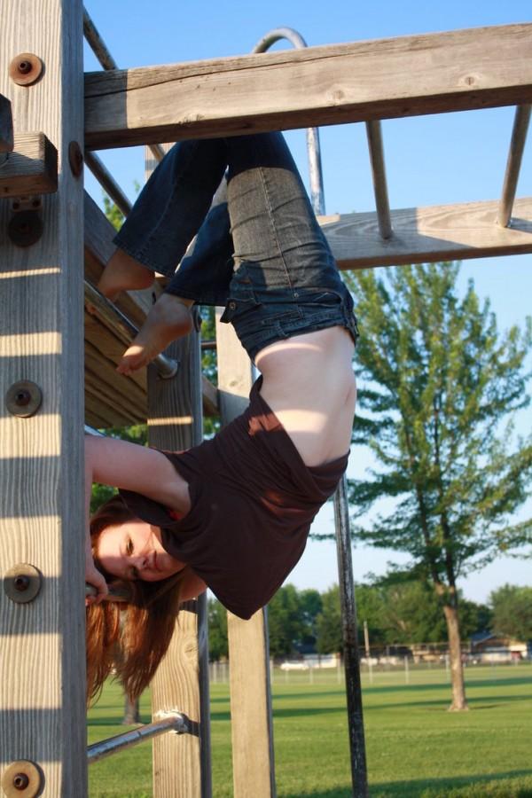 mujer posando parque