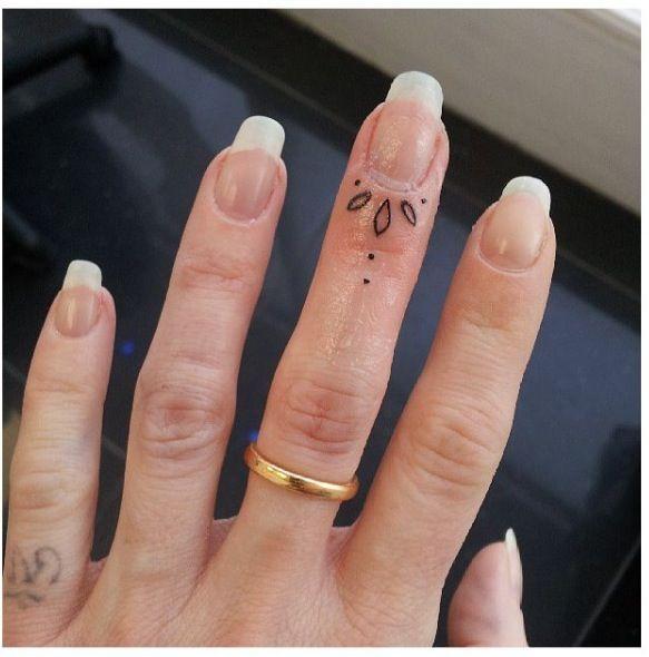 tattoo cuticula