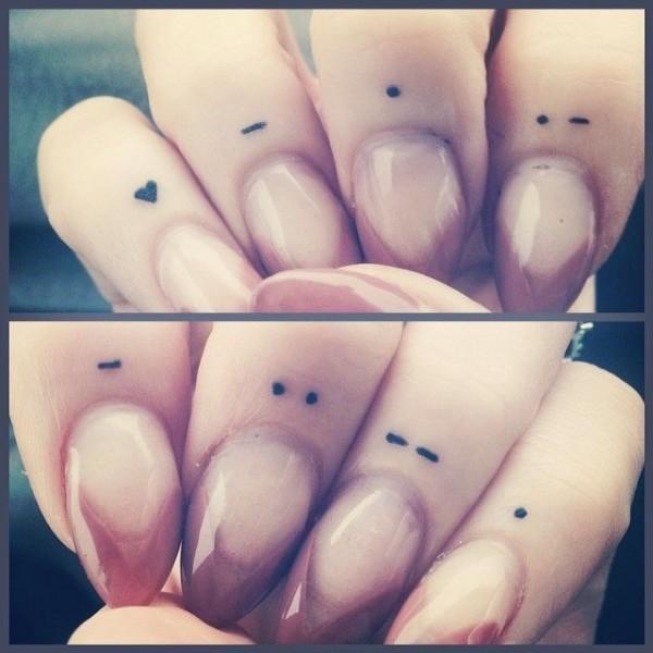 tatuaje en cuticula