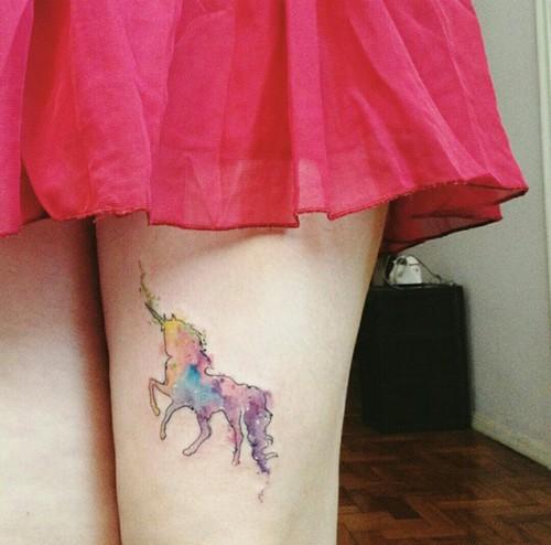 unicornio tatuado