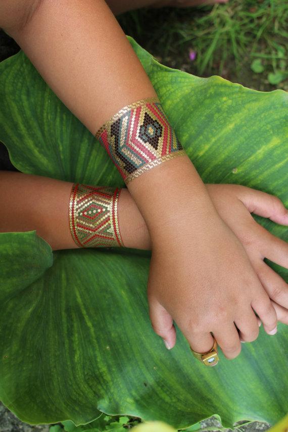 brazaletes tatuados