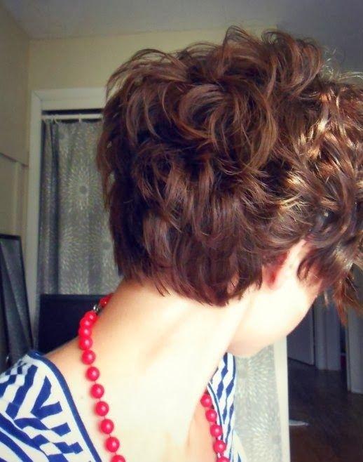 cabello corto y chino