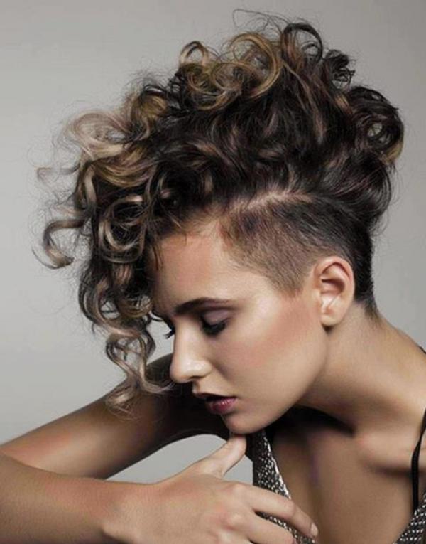 Estilos de cabello corto para mujeres con cabello rizado