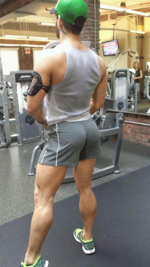 hombre gimnasio