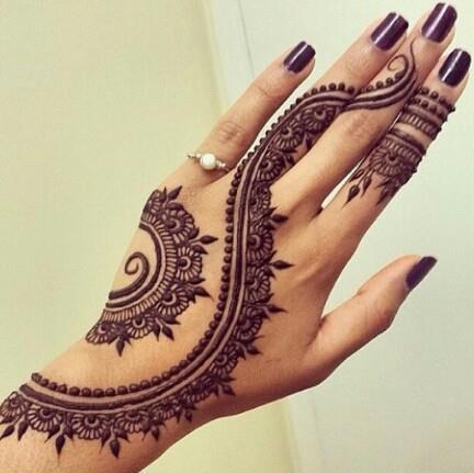 mandala lindo tatuaje mujer