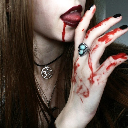 mano vampiro