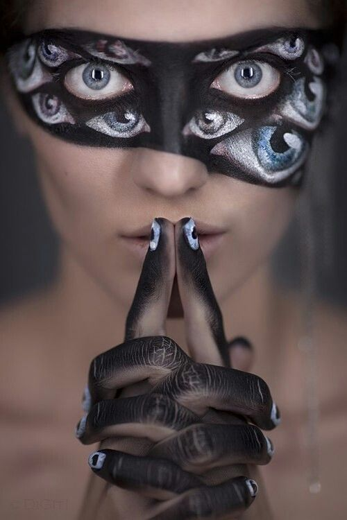manos maquillaje