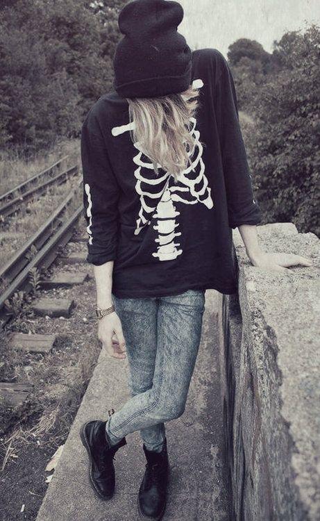sudadera huesos