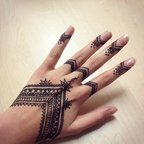 tatuaje henna mandala 2