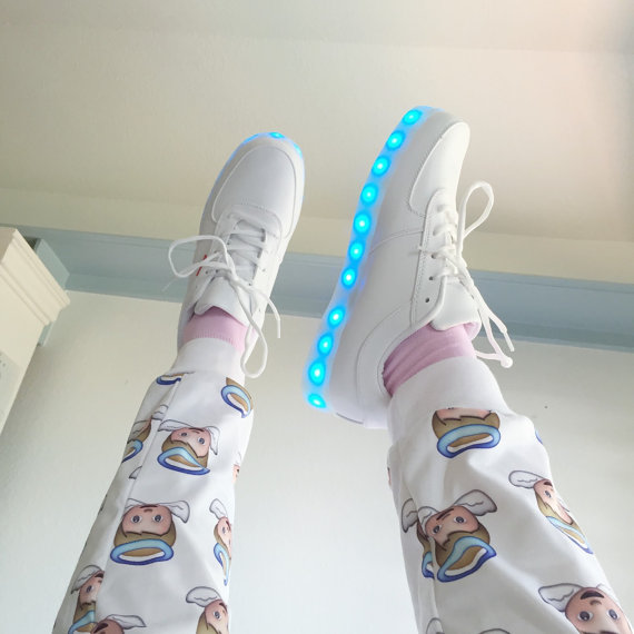 tenis luminosos