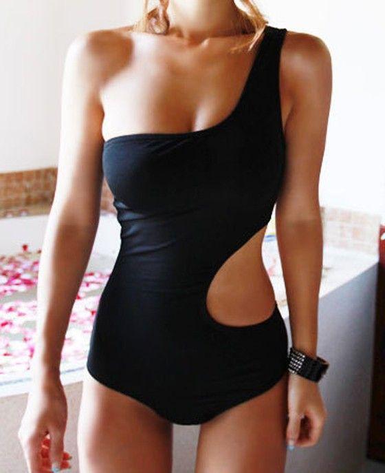 traje de baño asimetrico