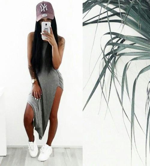 vestido gris tenis